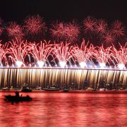 bosphorus-bridge-fireworks-e1416847978867