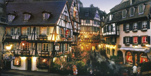 France Alsace Christmas – Rue des Marchands in Colmar via copyright CRTA – Zvardon